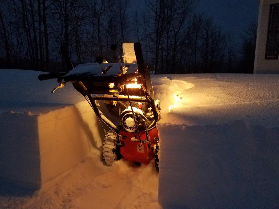 021317-buckfield-storm-24-inches-23